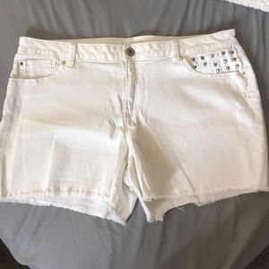 Cute white studded jean shorts- 16